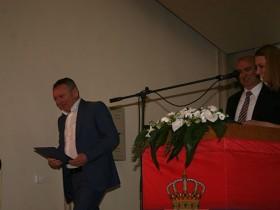 Dragan Klisura prima povelju za poseban doprinos