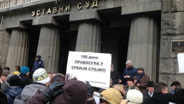 Okupljanje advokata ispred Ustavnog suda Srbije 29.12.2014.